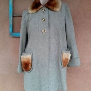 1940s Gray Wool Coat w Mouton Details Sz M L